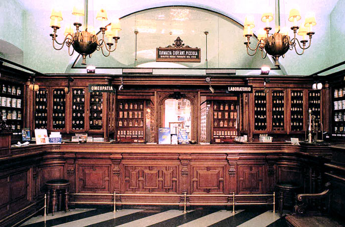 Farmacia Picciola alla Croce Bianca - Trieste